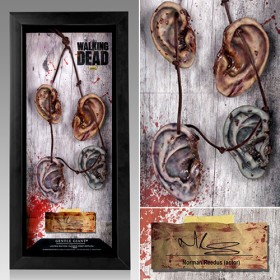 Walking Dead TV Series Daryl Dixon Walker Ear Necklace with Display Case Prop Replica